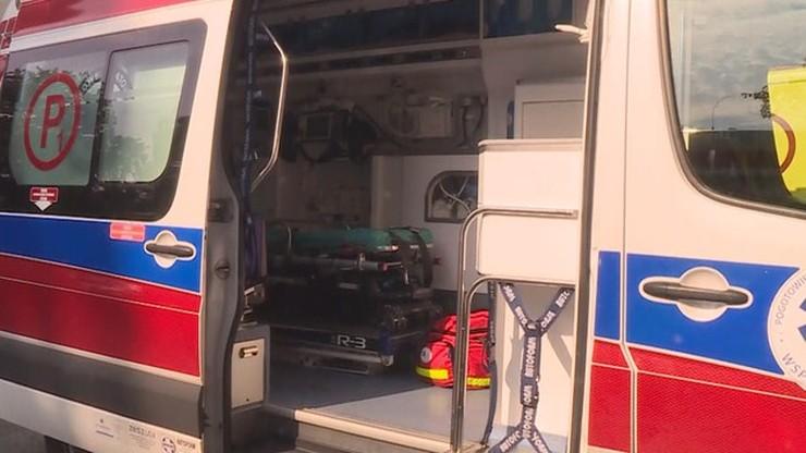 Zderzenie karetki z ciężarówką w Górze Kalwarii (Mazowieckie). Ranni ratownicy