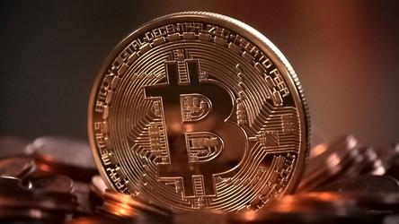 Oszustwa kryptowalutowe osiągnęły już w tym roku poziom ponad miliarda dolarów