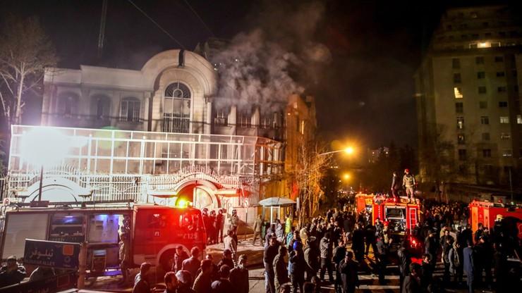 Atak demonstrantów na saudyjską ambasadę w Teheranie