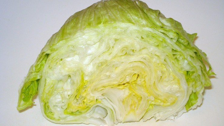 """Na Wyspach brakuje sałaty i brokułów. Uprasza się o """"rozsądne zakupy"""""""