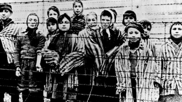 """Polscy Żydzi krytykują klip amerykańskiej fundacji. """"Określenie »polski Holokaust« jest kłamliwe"""""""