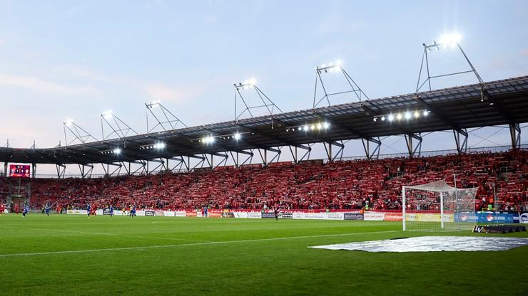 Skandal na stadionie Widzewa Łódź. Pobito sponsora Radomiaka