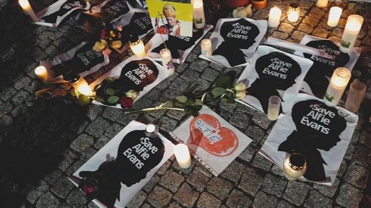 Pogrzeb Alfiego Evansa. Bez udziału mediów i osób postronnych