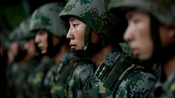 Chiny: powstaje jednostka żołnierzy hakerów do cyberataków i cyberobrony