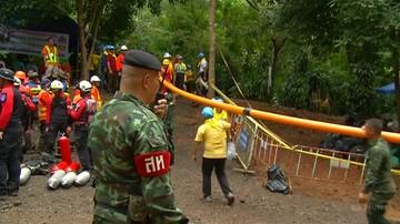 Odnaleziono młodych piłkarzy zagubionych w tajlandzkiej jaskini. Wszyscy przeżyli