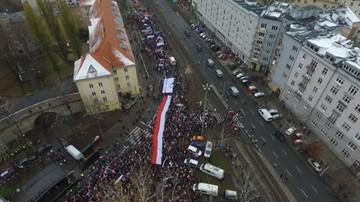 """""""Polska jest wszędzie tam, gdzie dziś świętują Polacy"""". Marsz """"KOD Niepodległości"""""""