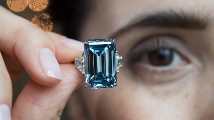 Rekordowa aukcja. Słynny diament sprzedany za 57,6 mln dolarów