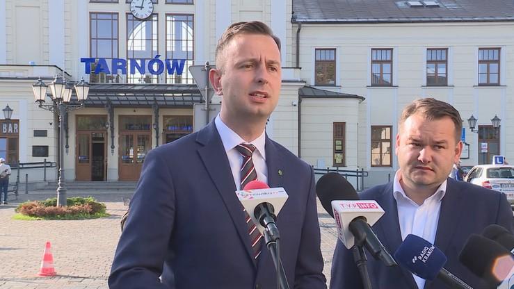 """Kosiniak-Kamysz zapowiada reaktywację lokalnych linii kolejowych. """"Tiry na tory"""""""