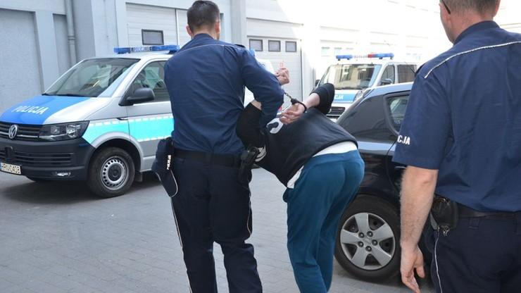 Pijany, który wiózł dwuletnią dziewczynkę, spowodował dwie kolizje, w tym zderzenie z autobusem
