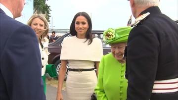 Księżna Meghan u boku królowej Elżbiety. Na taką podróż księżna Kate musiała czekać aż 10 miesięcy