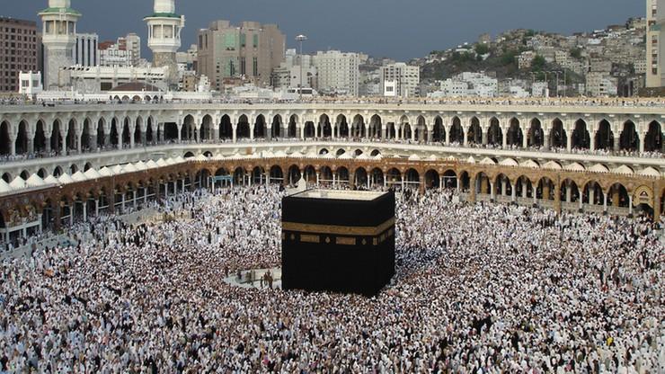 Samobójstwo w kolebce islamu. Mężczyzna rzucił się z dachu Wielkiego Meczetu w Mekce
