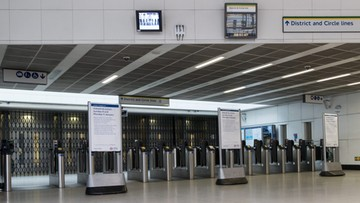 Londyńskie metro wznowiło działalność. Strajkują linie lotnicze i kolej