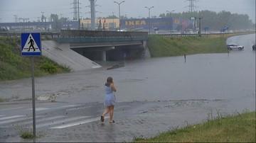 Pływał pontonem w tunelu w Katowicach. Miesięczny limit opadów deszczu wyczerpany w pół godziny