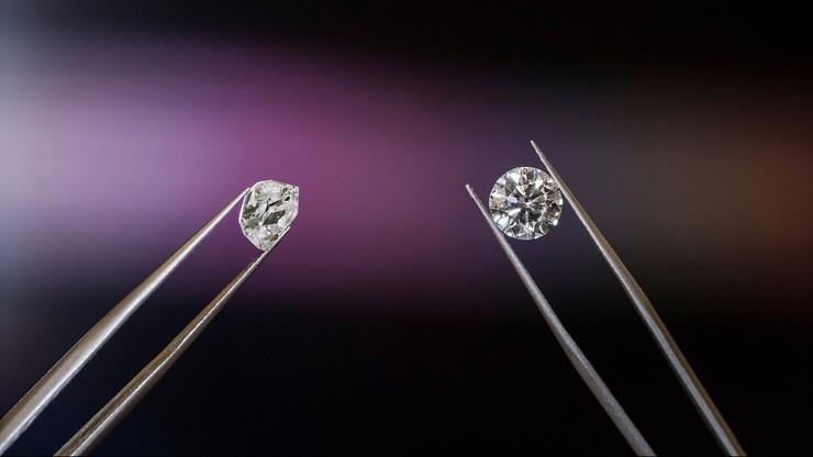 """Wielka Brytania: podmieniła diamenty na kamyki z ogródka. Kradzież jak """"sztuczka magiczna"""""""