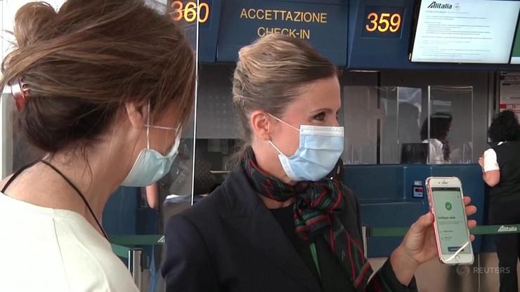 Włochy wprowadzają model francuski. Wzrost chętnych na szczepienie