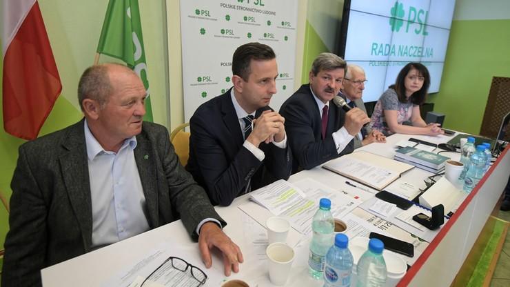 """""""Prezent dla PiS"""". Komentarze opozycji po decyzji PSL"""