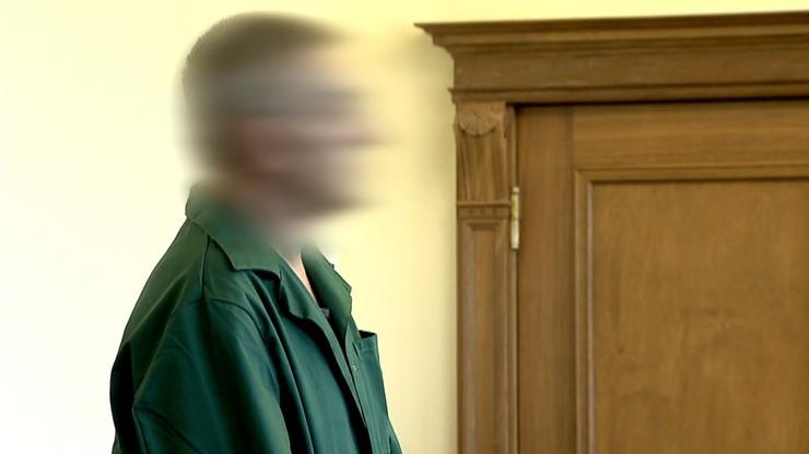 Oskarżony o podpalenie kamienicy w Tczewie i zabójstwo dwóch osób nie przyznaje się do winy