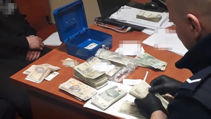 Nastolatkowie ukradli 170 tys. zł i kupili bmw. Okradziony nie wiedział, że zginęły mu pieniądze