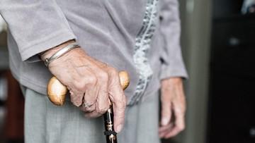 Niemiecki dziennik: co najmniej 40 proc. zmarłych na Covid-19 to mieszkańcy domów opieki