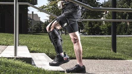 DARPA zaprezentowała niezwykłe możliwości swojego najnowszego egzoszkieletu