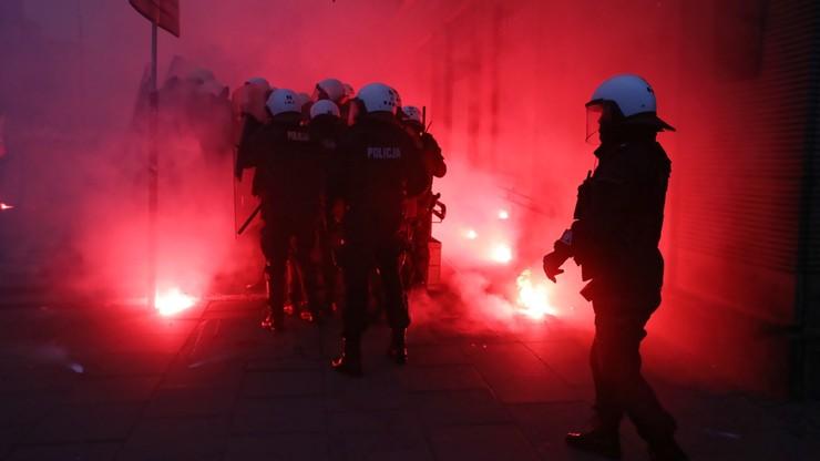 Broń gładkolufowa na Marszu Niepodległości. Policja: okoliczności są wyjaśniane