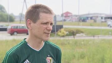 Kibic Śląska Wrocław wynajął podnośnik, by obejrzeć mecz w Płocku