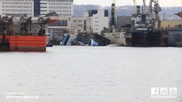 Statek w gdyńskiej stoczni przechylił się i nabrał wody. Sprawę zbada komisja