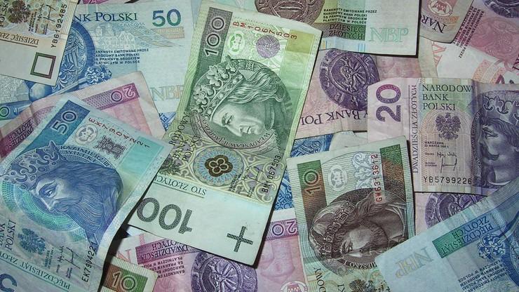 Minimalna pensja w 2021 r. Miała być wyższa