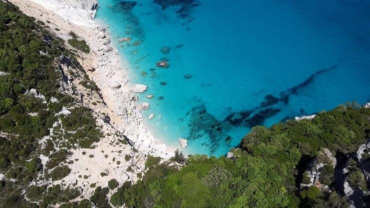 Włochy: Szczęśliwa Wioska dla seniorów na Sardynii. Osiedle z całodobową opieką medyczną