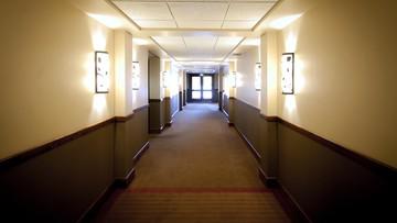 Popełnili samobójstwo w hotelowym pokoju. Sprzątaczce zostawili liścik i napiwek