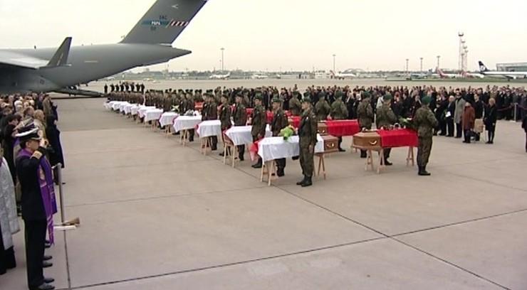 Bez upamiętnienia ofiar katastrofy smoleńskiej przy okazji rocznicy Czerwca'56. Prezydent Poznania: asysty wojska nie będzie