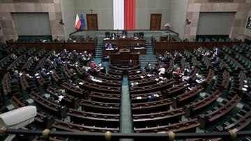 """Sondaż dla """"Wydarzeń"""": Hołownia łowi wyborców Lewicy i PO, PiS traci bez koalicjantów"""