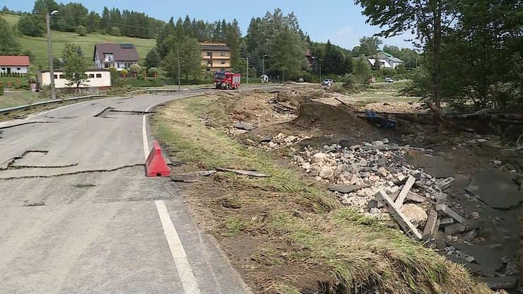 Woda zniszczyła m.in. infrastrukturę drogową