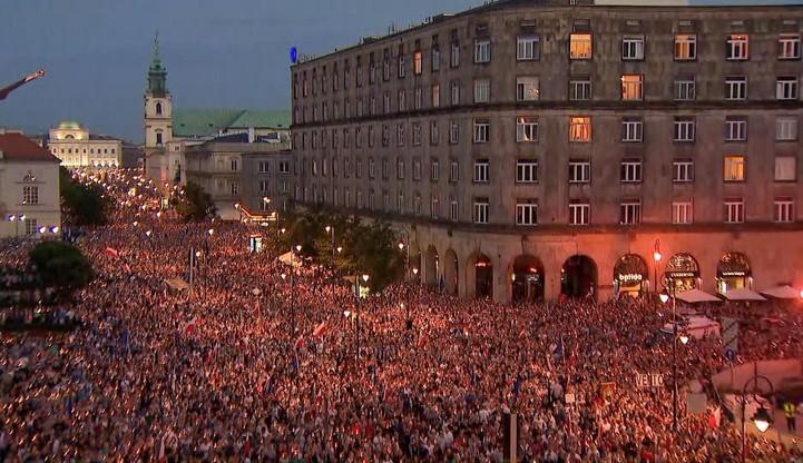 50 tys. vs 14 tys. Rozbieżne dane o liczbie uczestników manifestacji