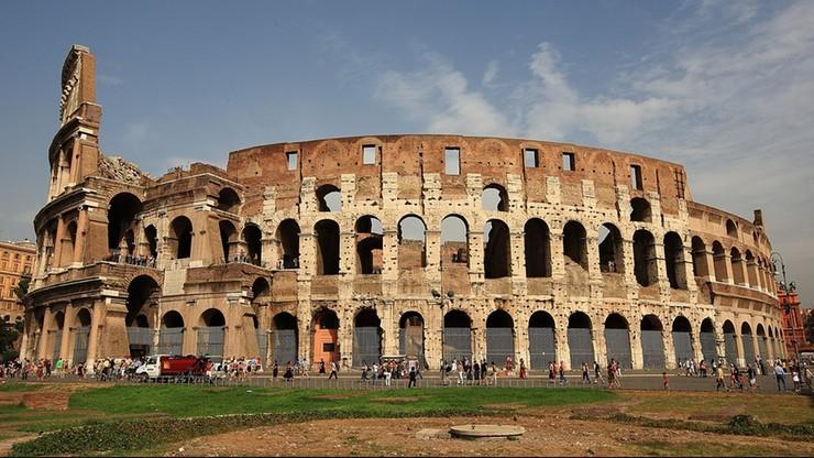 Polak uruchomił drona nad Koloseum. Urządzenie spadło na zabytkowe schody