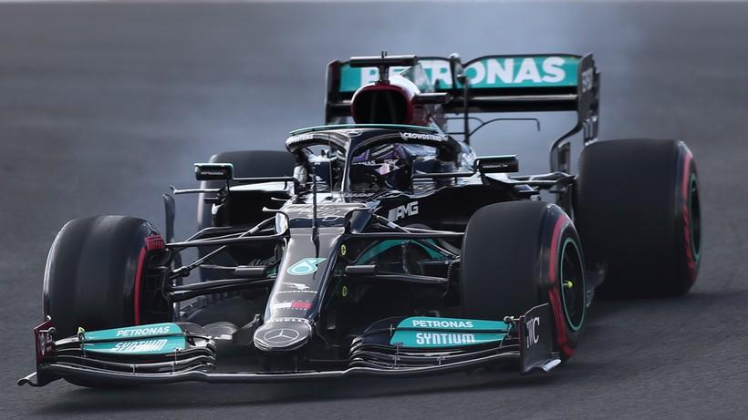 GP Turcji: Hamilton najszybszy na obu piątkowych treningach