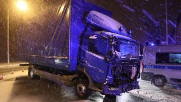 Zderzenie autobusu, samochodu ciężarowego i osobowego w Łodzi. Dziewięć osób zostało rannych