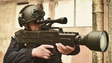 Chińska armia pokazała w akcji swój karabin laserowy. Nie, to nie jest zabawka