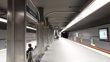 Wypadek na stacji metra Ratusz Arsenał. Pasażerka wpadła pod pociąg