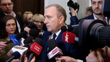 """""""Wstyd"""", """"kompromitacja"""". Schetyna o pomyśle obciążenia go kosztami akcji policji przed Sejmem"""