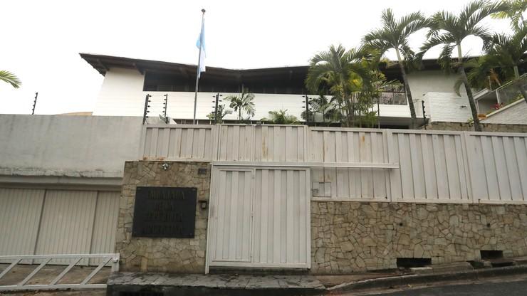 Wenezuela: oskarżeni o bunt dwaj posłowie schronili sie w ambasadach