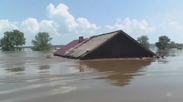 Trzy osoby zginęły, setki rannych na skutek powodzi na Syberii. Opady nie ustają
