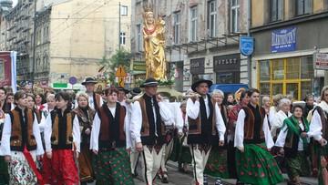 """""""Nasza kultura jest lepsza od innych"""". Tak uważa większość Polaków"""