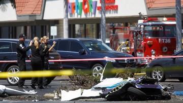 Mały samolot rozbił się obok centrum handlowego w Kalifornii. Wszyscy na pokładzie zginęli