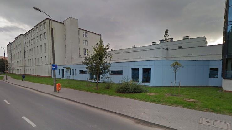 """Toruń. Wtargnęli do szpitala bez maseczek. """"Suweren przyszedł na kontrolę"""""""