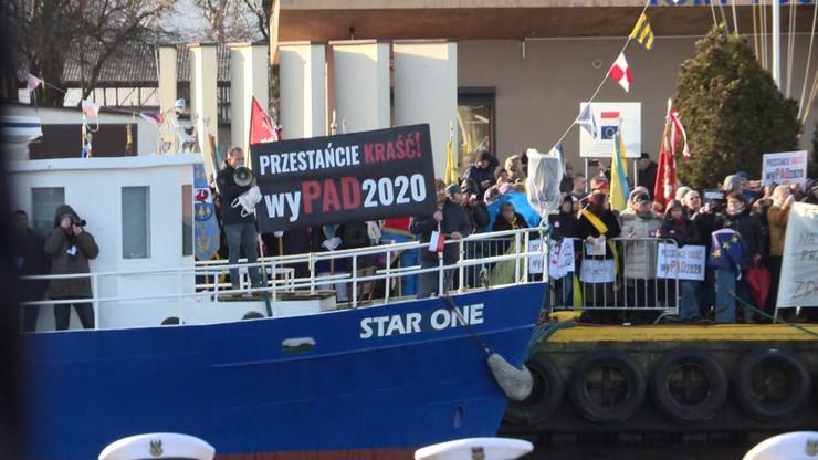 Protest przeciw prezydentowi w Pucku. Uczestnicy usłyszeli zarzuty