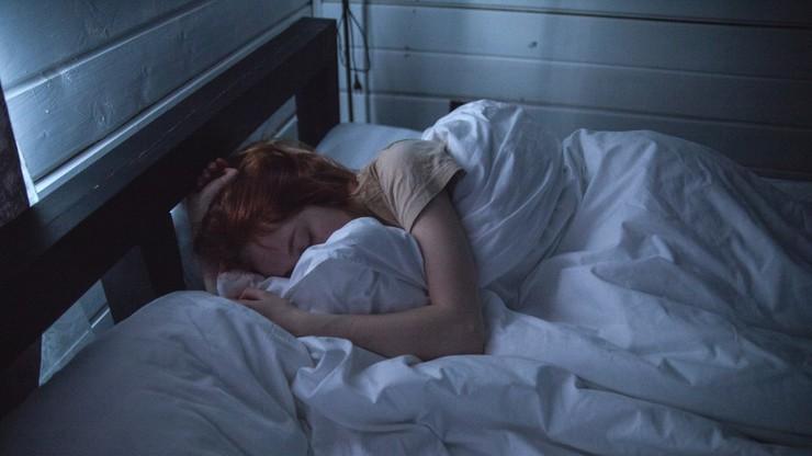 Epidemia koronawirusa negatywnie wpływa na jakość snu