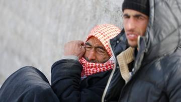 Kilkadziesiąt tysięcy Syryjczyków zmierza ku granicy z Turcją