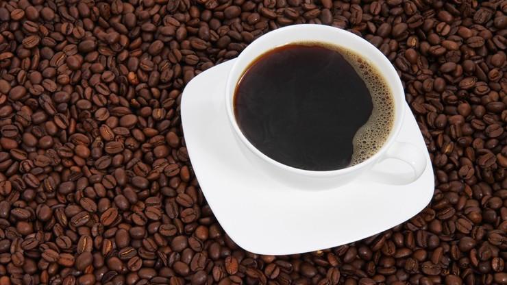 Wpływ picia kawy na pracę mózgu. Nowe badania