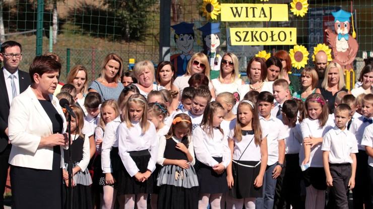 Szydło: szkoła będzie otwarta na zdanie rodziców; musi wychowywać